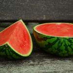 buah untuk menghindari dehidrasi - semangka